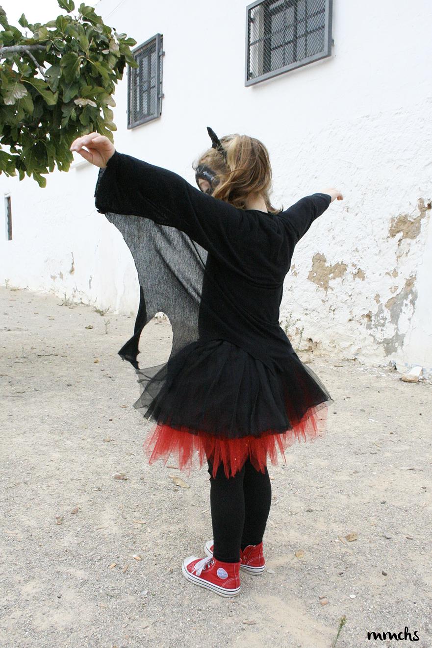 niña disfrazada Halloween
