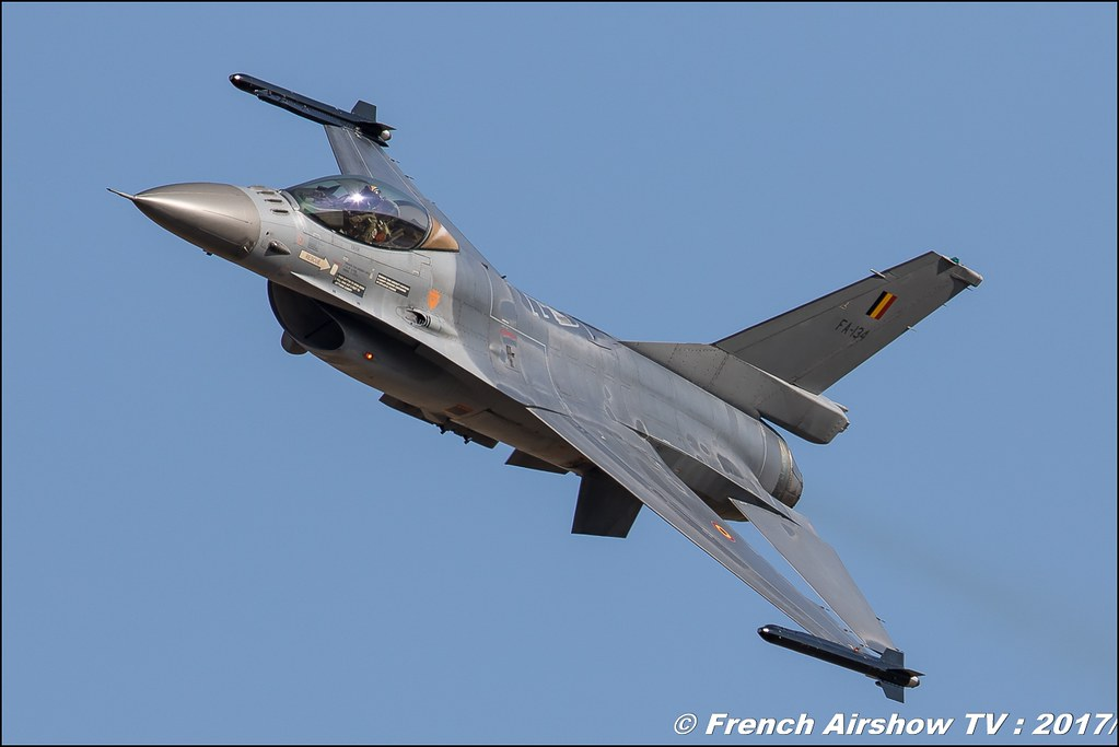 Belgian Air Force F-16 Solo Display , F-16 Solo Display Team Belge , Avignon Air Show 2017 , Aéroclub Vauclusien , avignonairshow2017 , Meeting Aerien 2017