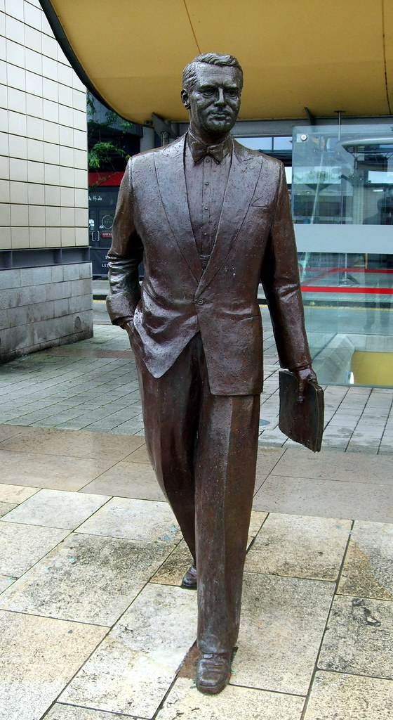 The Cary Grant Statue In Bristol. | Jim Linwood | Flickr