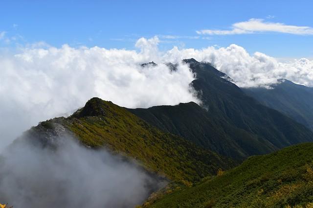アサヨ峰から鳳凰三山へ至る稜線