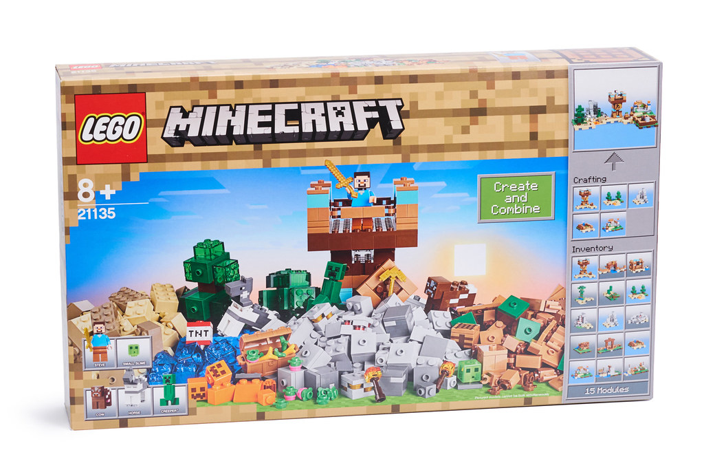 LEGO Minecraft 21135 The Crafting Box 2 0 review | Brickset