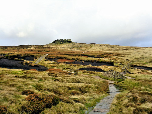 The Pennine Way leading to Edale Rocks