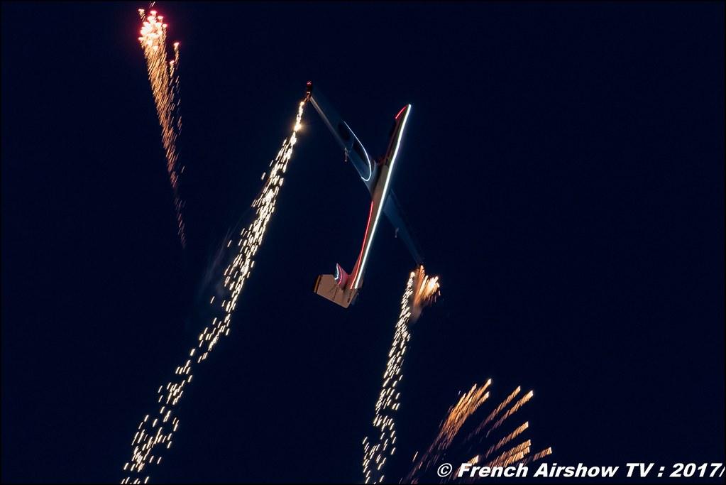 Johan Gustafsson sunset , nuit , sunset airshow , j-gustafsson , Glider aerobatics , swedish , Avignon Air Show 2017 , Aéroclub Vauclusien , avignonairshow2017 , Meeting Aerien 2017