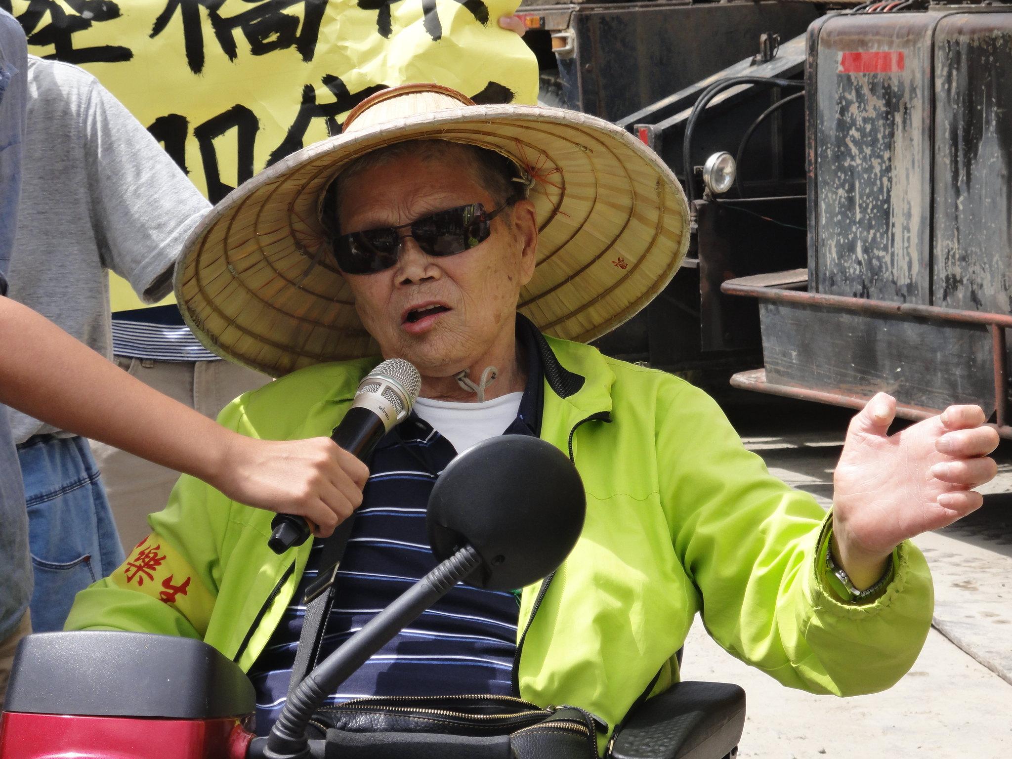樂生自救會榮譽會長李添培批評捷運局信用破產。(攝影:張智琦)