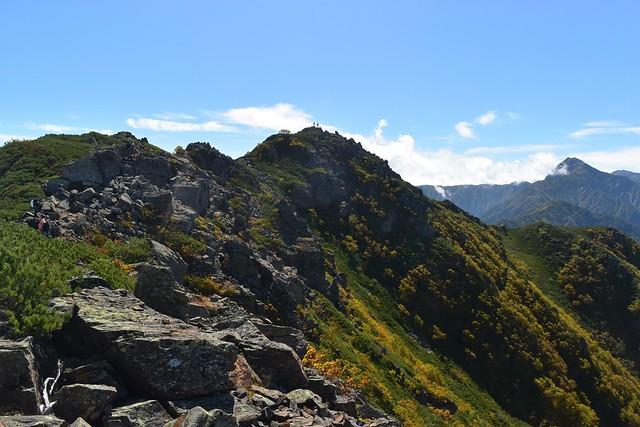 南アルプス登山 アサヨ峰の稜線と北岳