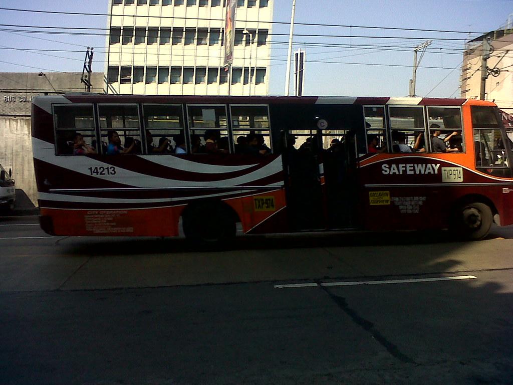 ... SAFEWAY Bus Line 14213   by _K_u_L_eT_
