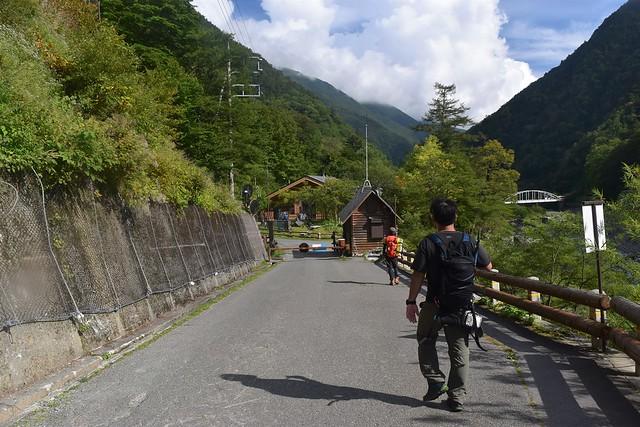 広河原までの林道歩き