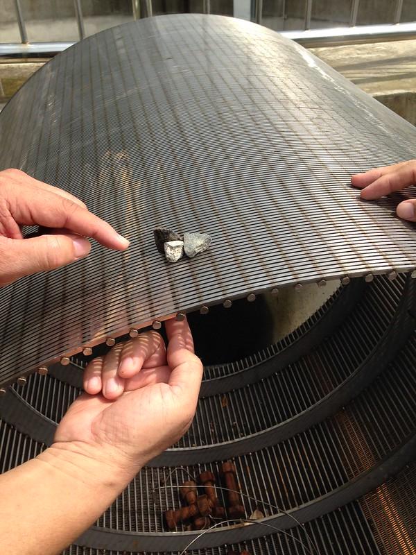 集水廊道使用的材質。攝影:廖靜蕙