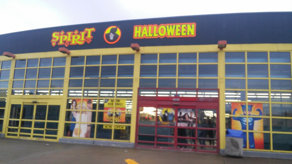 former toys r us as spirit halloween atlanta ga by