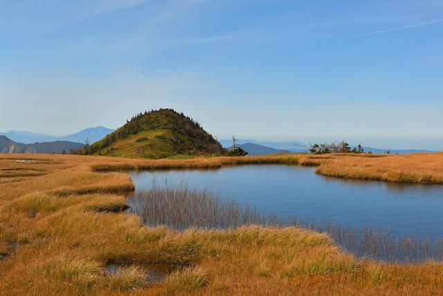 苗場山 高層湿原の池塘