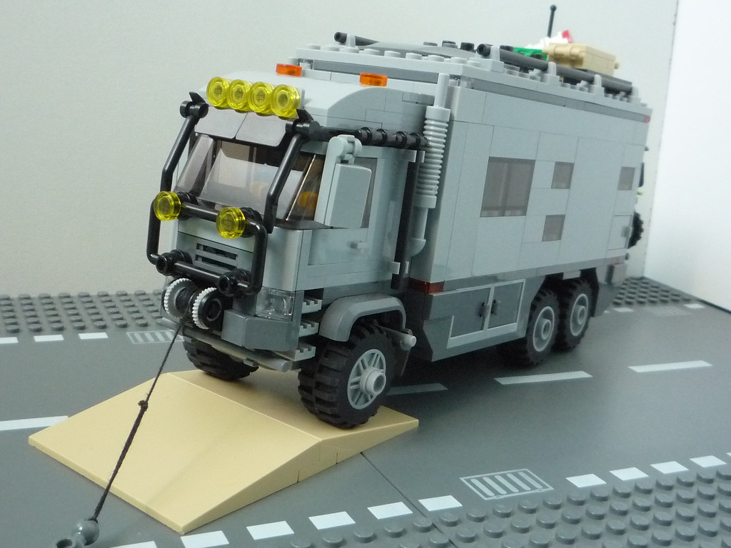 le camion dexpdition lego by waly7721 - Camion Lego