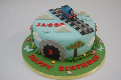 Cool Thomas The Tank Engine Circular Cake Beautiful Birthday Cakes Personalised Birthday Cards Sponlily Jamesorg