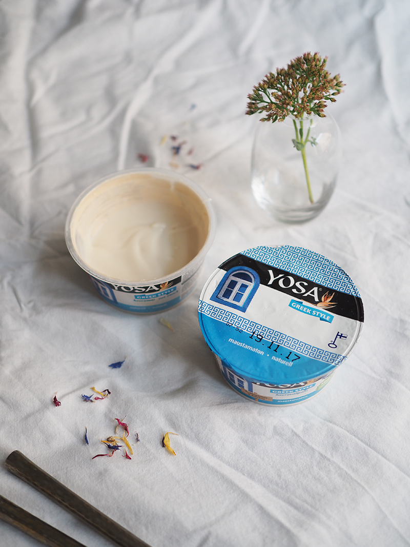 Yosa hapatettu kaurajugurtti Greek Style