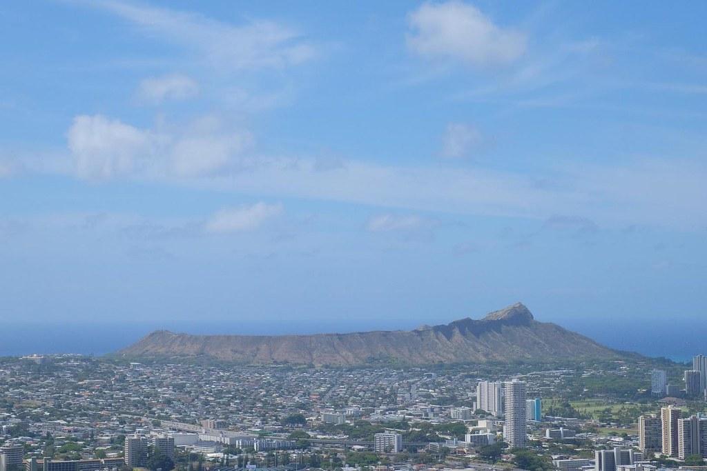 DSCF9252-1夏威夷州東南方,面積最大的島嶼夏威夷島,由於還有活火山活動,地熱是最主要的再生能源。