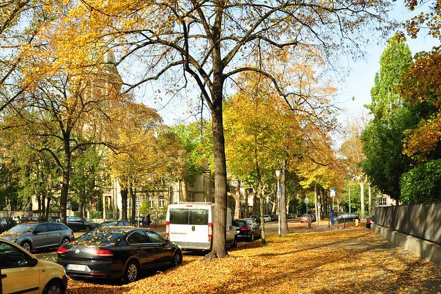 Oststadt Mannheim, Oktober 2017 ... Christuskirche, Herbstlaub, Erzengel Michael ... Foto: Brigitte Stolle Mannheim