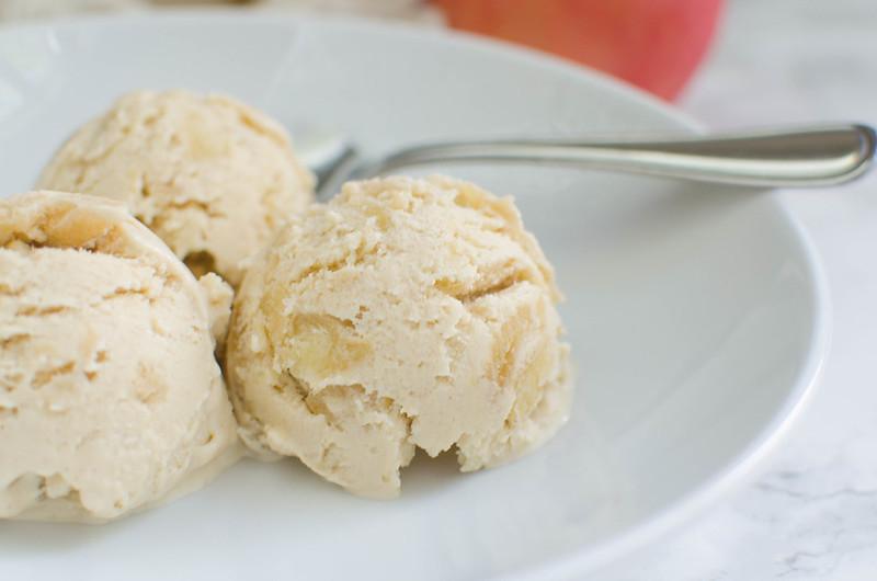 Paleo Apple Pie Ice Cream - the best dairy free fall ice cream! It tastes like frozen apple pie!