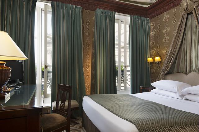 Hôtel des Grands Hommes *** réservez sur notre site web pour le meilleur tarif garanti et un welcome drink offert à l'arrivée !