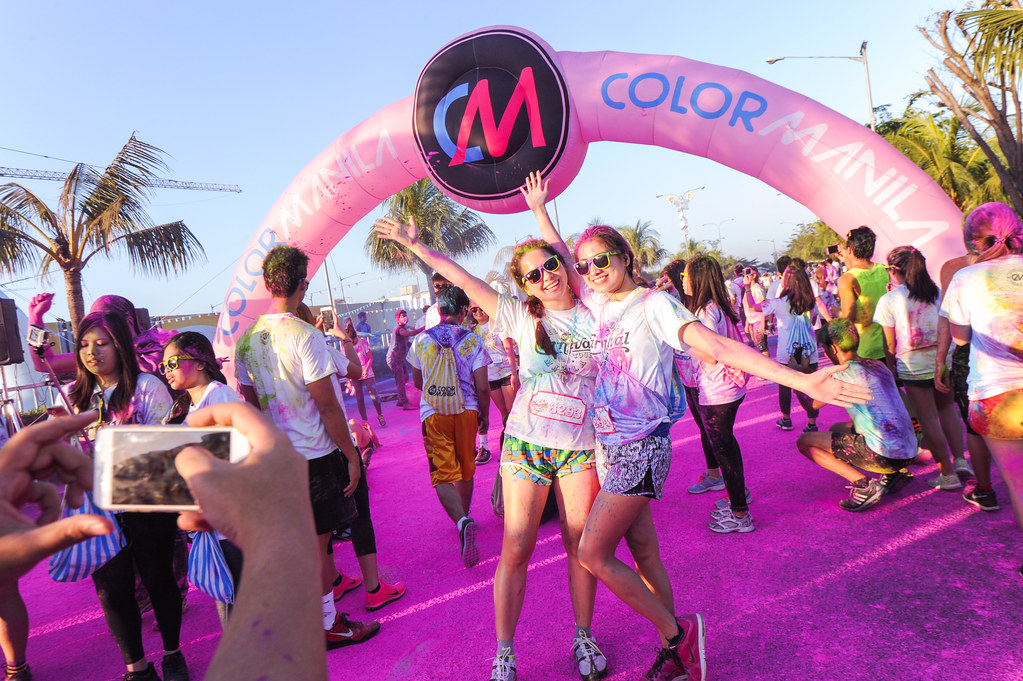 CM Glitter Run won't be complete without our signature CM Color Stations to immerse you in a stunning and spectacular color display.