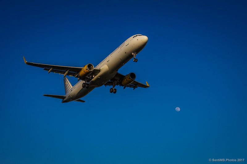 Avión aproximándose al aeropuerto del Prat