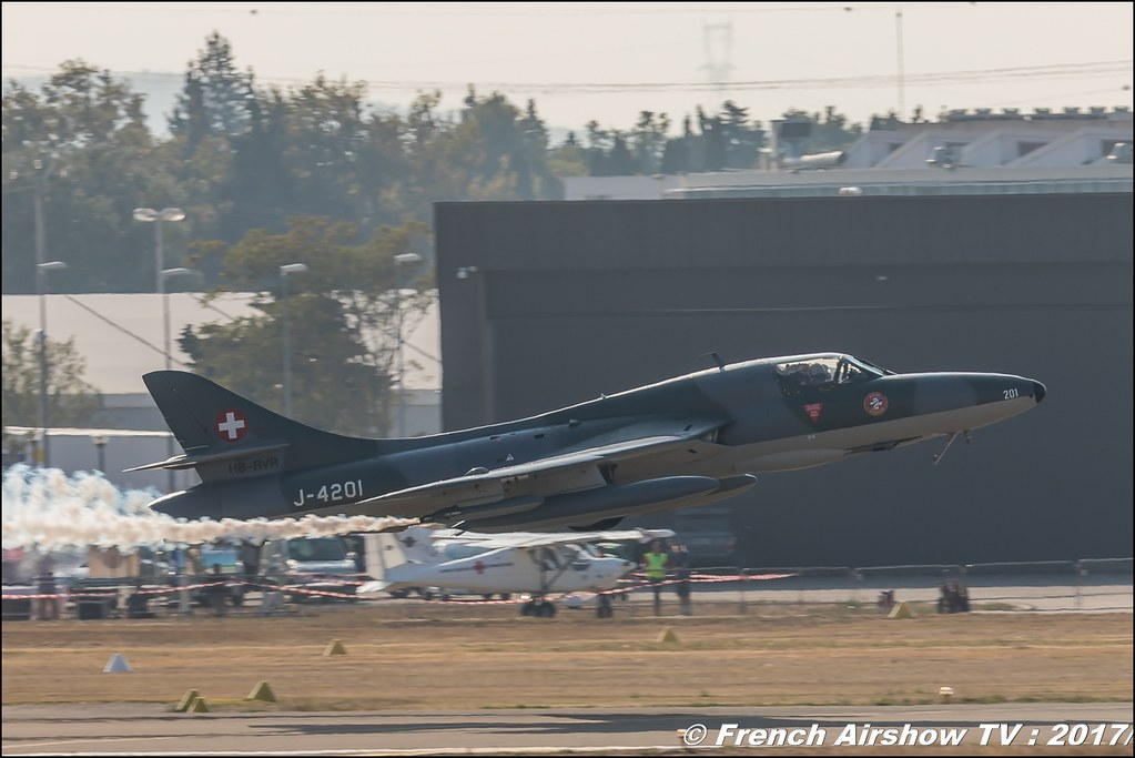 Hawker Hunter T.68 - J-4201/HB-RVR - Suisse Amici dell'Hunter , Avignon Air Show 2017 , Aéroclub Vauclusien , avignonairshow2017 , Meeting Aerien 2017