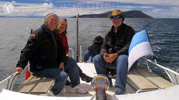 Vistas desde el bote en el Lago Titicaca