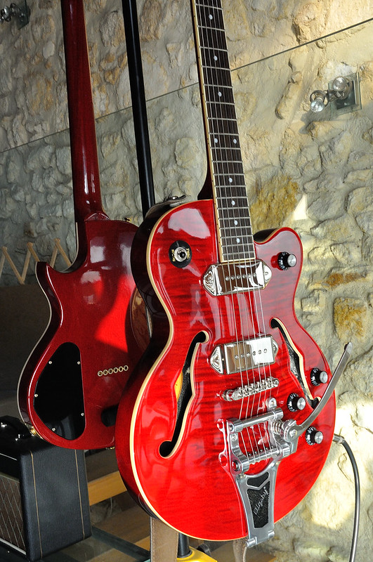 Epiphone Wildkat Hollowbody... 36945439394_e869a182ab_c