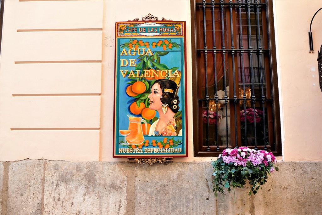 Agua De Valencia En Café De Las Horas Valencia El Café D Flickr
