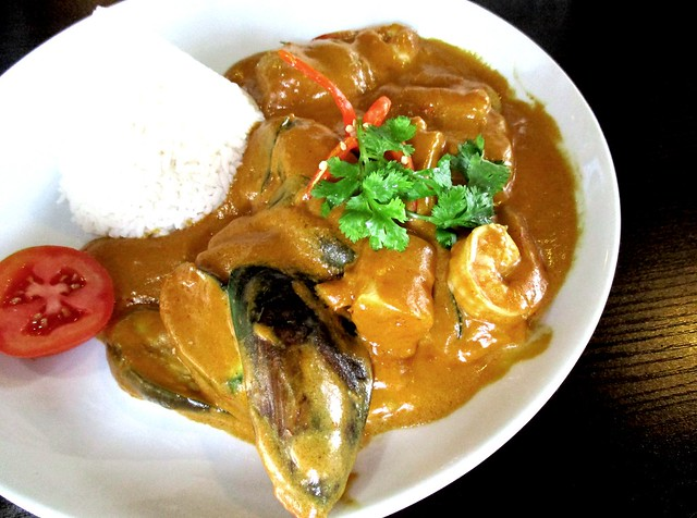 Cafe Ind seafood curry rice