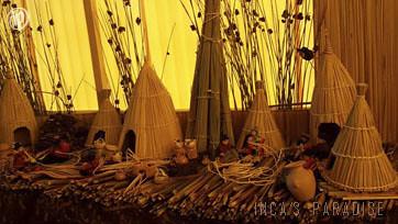 Artesanias hechas de totora en los Uros