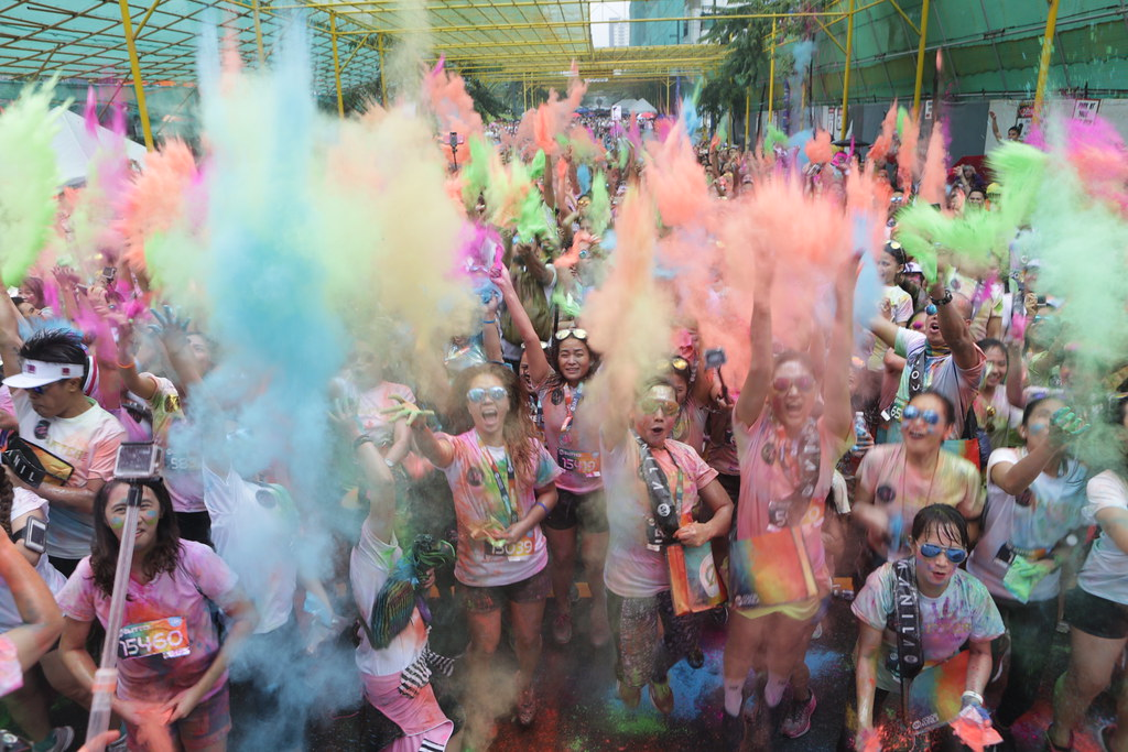 Put on your dancing shoes and switch on your celebratory mood as a not too shabby dance-and-color powder party at the Color Festival will welcome you after the run!