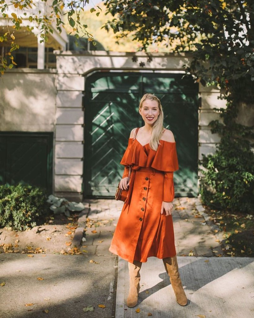 71ba70c9cac ... A little bit of burnt orange from the  bananarepublic x  oliviapalermo  collection today on