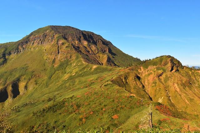 秋の苗場山 日帰り紅葉登山