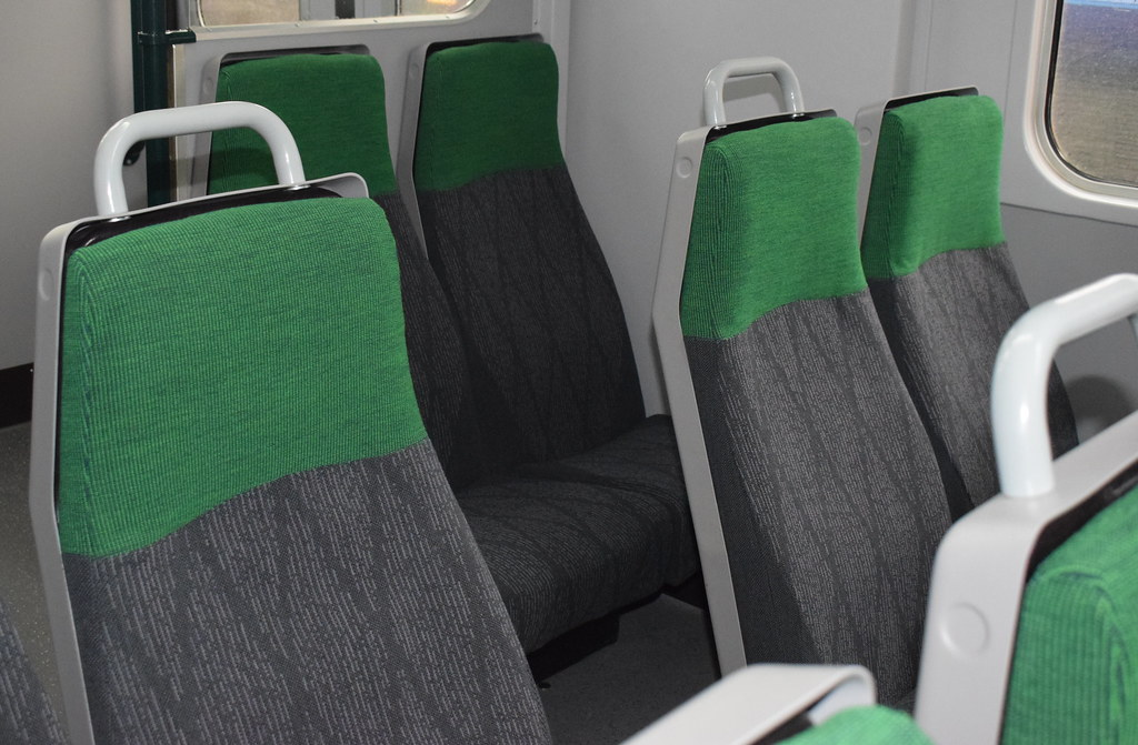 Gwr seat moquette as used in 150216 the diagonal marks ar flickr for Moquette in english