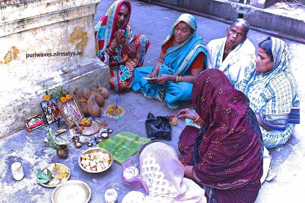 Radha Damodar Puja in Kartika Month