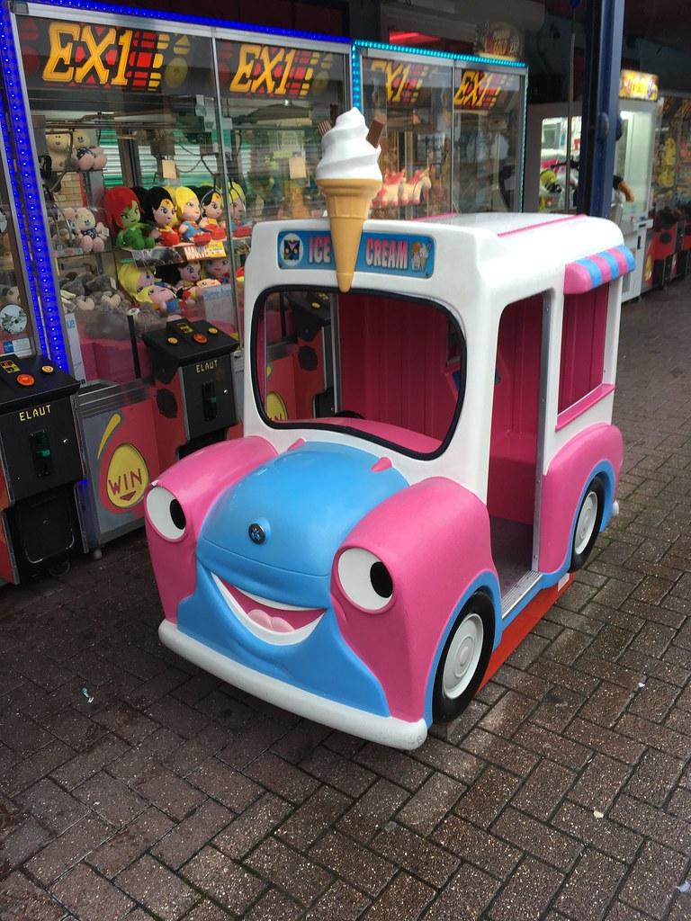 R G  Mitchell Pink  U0026 Light Blue Hank U0026 39 S Ice Cream Van Kiddi