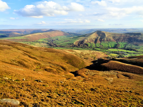 Looking over Jaggers Clough to Lose Hill and Win Hill