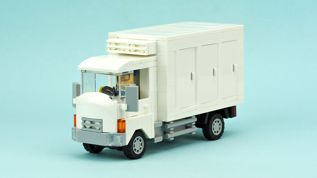 Ice cream delivery truck | Building instructions YOUTUBE | Flickr