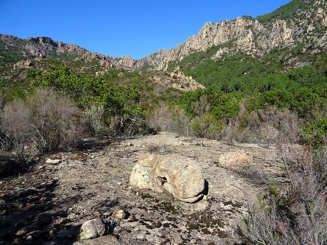 Point extrême atteint : le piton rocheux du téléphérique, le Peralzone et Punta di Monte Sordu