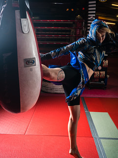 2x world Muay Thai champion Lea Pedersen sparring at CPH Muay Thai | by www.mathiasvejerslev.dk
