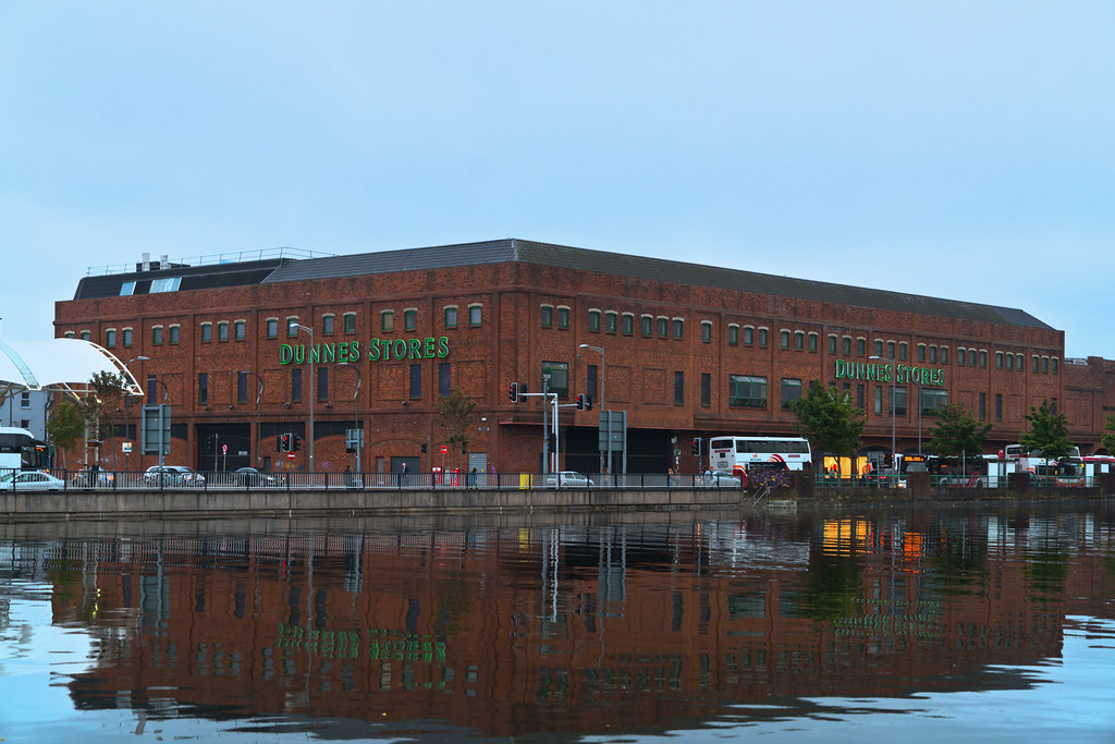 DUNNES STORES BESIDE THE BUS STATION 002