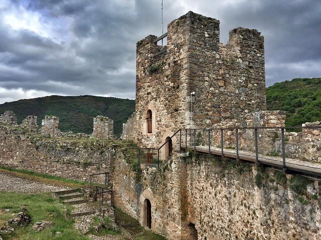 Castillo de Cornatel en la comarca de El Bierzo (cerca de Las Médulas)