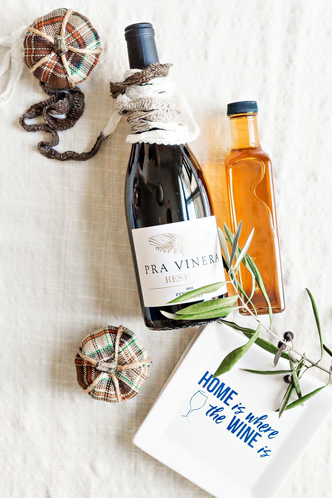 wine and olive oil hostess gift for Thanksgiving