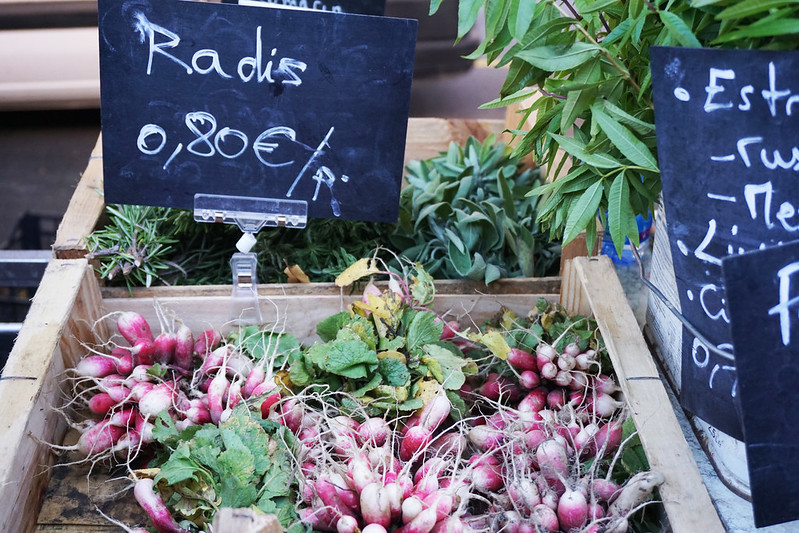 radishes at the Grenoble fresh market