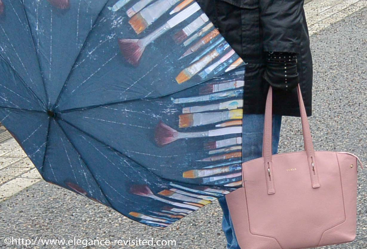 bag and umbrella