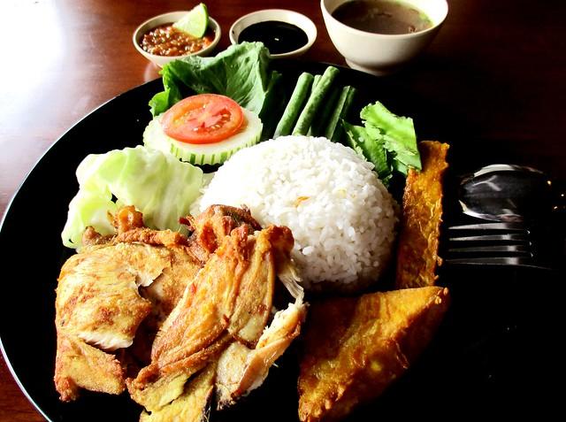 Warong Cafe nasi ayam penyet 1