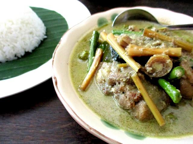 Payung Cafe green curry chicken with rice