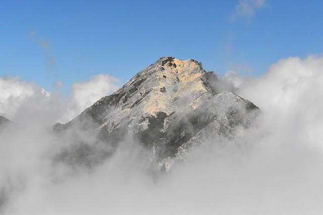 雲を纏った甲斐駒ヶ岳