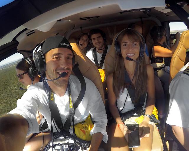 Todos sonrientes en el interior del helicóptero con el que sobrevolamos el Cañón del Colorado
