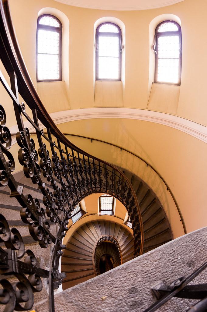 Winding Stairs | Anderer Blickwinkel Auf Die Wendeltreppe Im ...
