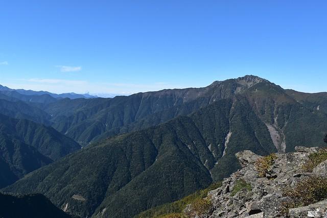 栗沢山から眺める仙丈ヶ岳